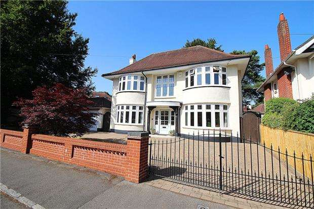 4 Bedrooms Detached House for sale in Bournemouth, Dorset, BH4