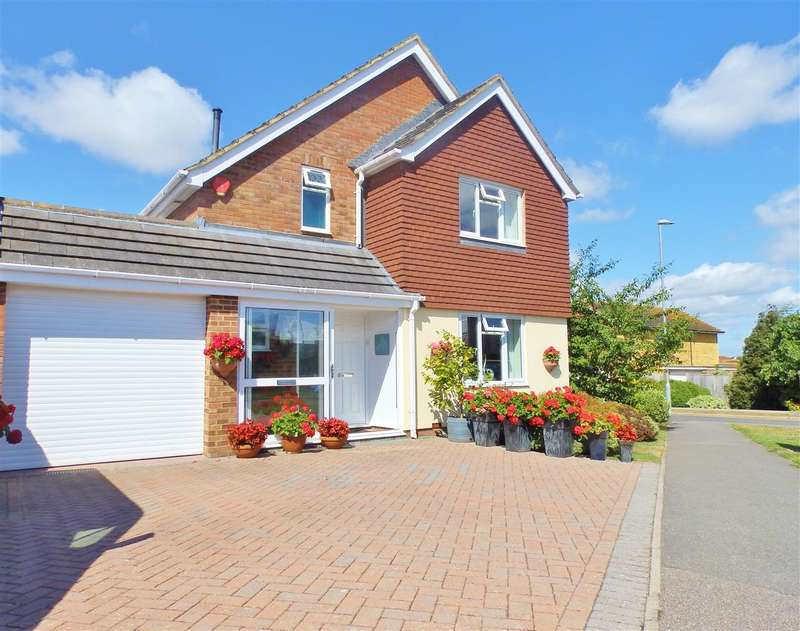 3 Bedrooms Detached House for sale in Seven Sisters Road, Eastbourne