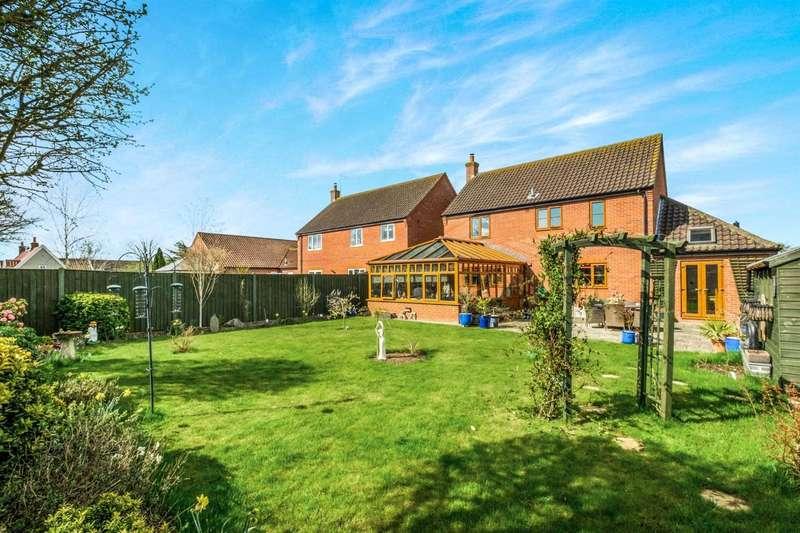 4 Bedrooms Detached House for sale in Jenkinsons Pightle, Woodton Near Hempnall