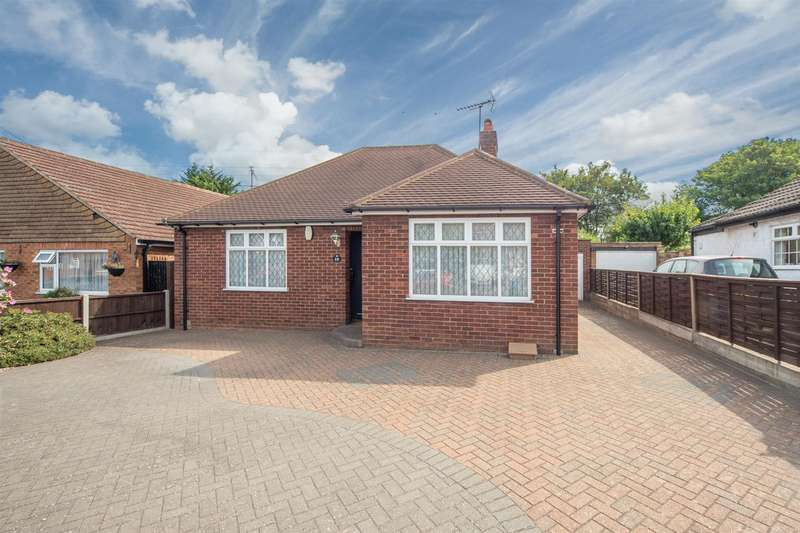 2 Bedrooms Detached Bungalow for sale in Derby Road, Luton
