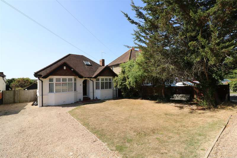 3 Bedrooms Detached Bungalow for sale in Bath Road, Calcot, Reading