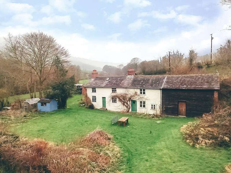 4 Bedrooms Barn Conversion Character Property for sale in Trefeglwys, Caersws, Powys