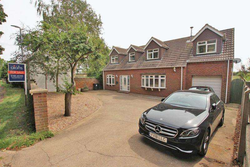 4 Bedrooms Detached House for sale in CHURCH END, NORTH SOMERCOTES