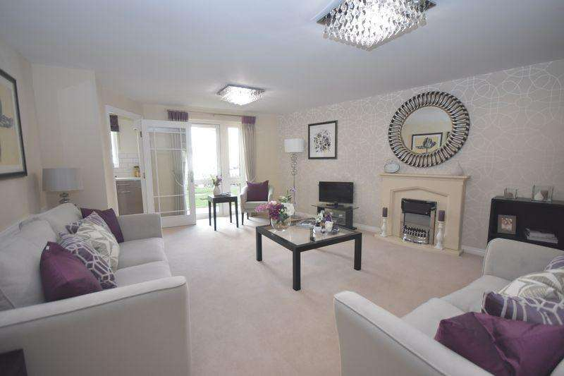 2 Bedrooms Apartment Flat for sale in New Pooles Lodge, Fishponds