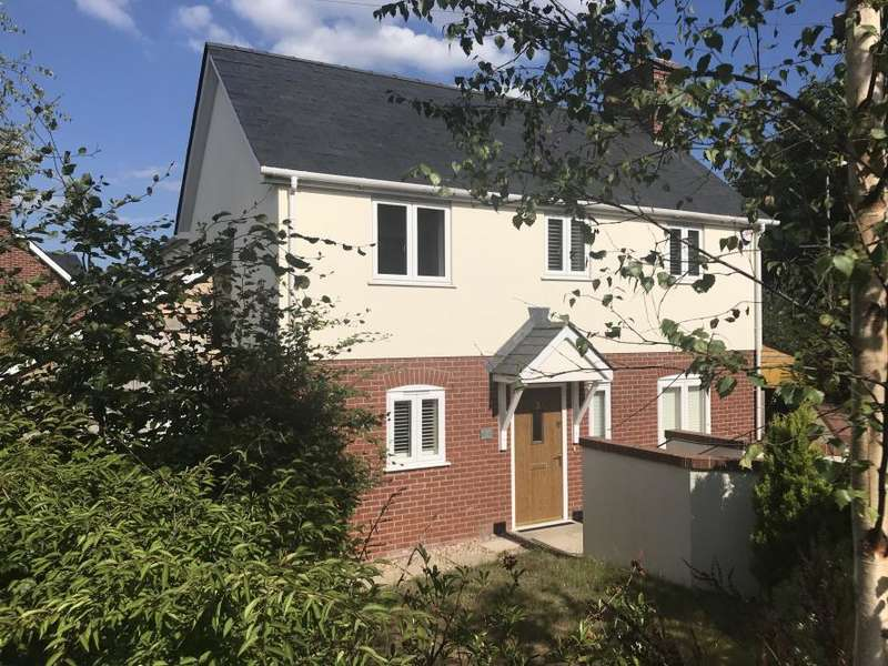 3 Bedrooms Detached House for sale in COLEHILL
