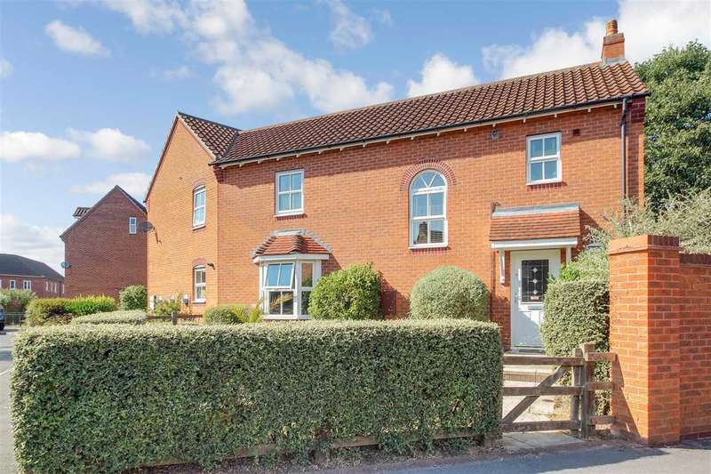 3 Bedrooms Semi Detached House for sale in Oak Tree Drive, Witham St. Hughs, Lincoln