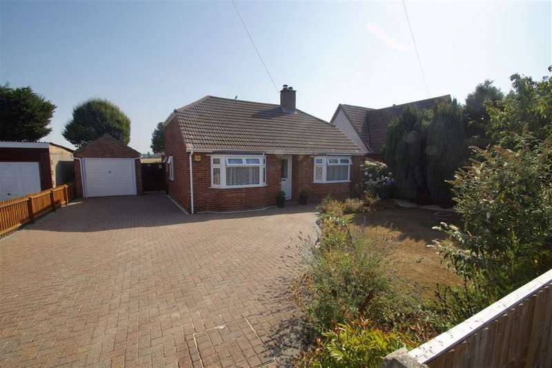 3 Bedrooms Bungalow for sale in Rowhedge Road, Colchester