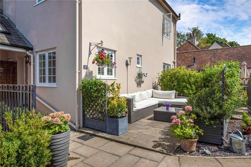 3 Bedrooms Terraced House for sale in The Cottage, Archive Mews, Kingshill Way, Berkhamsted, HP4
