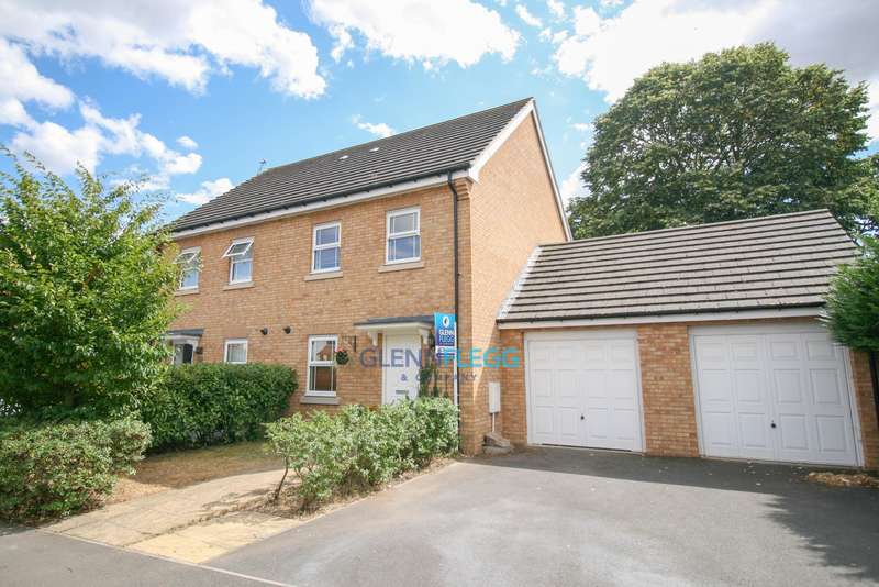 3 Bedrooms Town House for sale in Cippenham, Slough