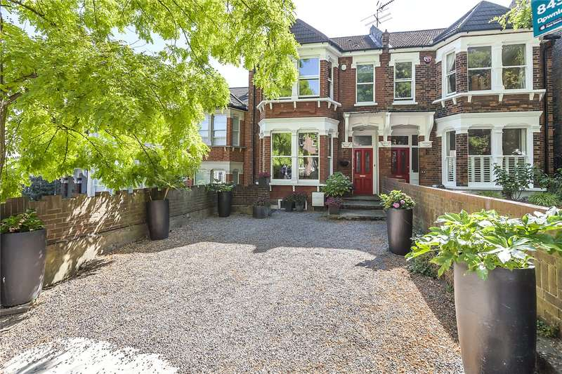 4 Bedrooms Semi Detached House for sale in Glenluce Road, London, SE3