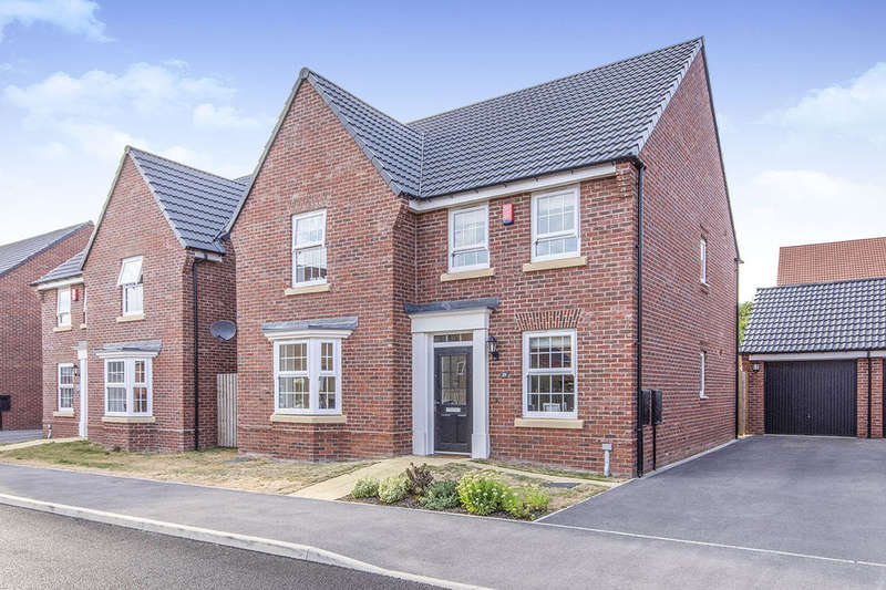 4 Bedrooms Detached House for sale in Poppy Fields Avenue, Pontefract, WF8