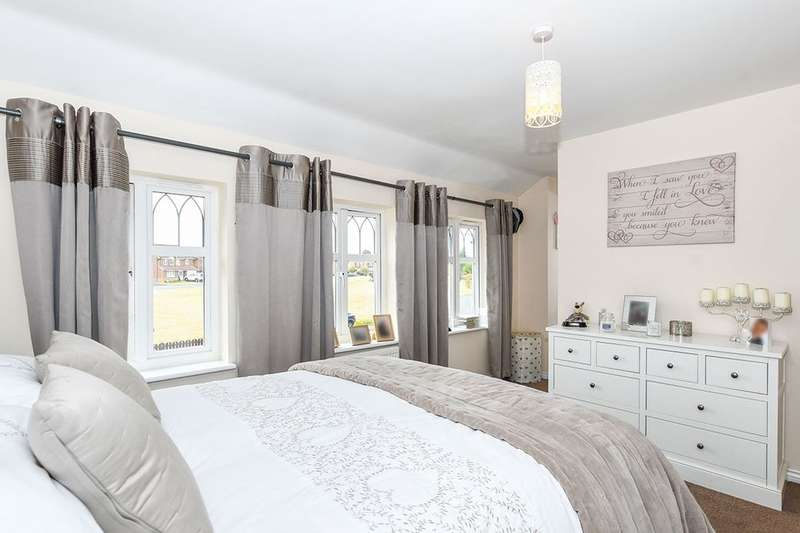 4 Bedrooms Detached House for sale in Beckenham Close, WIDNES, WA8