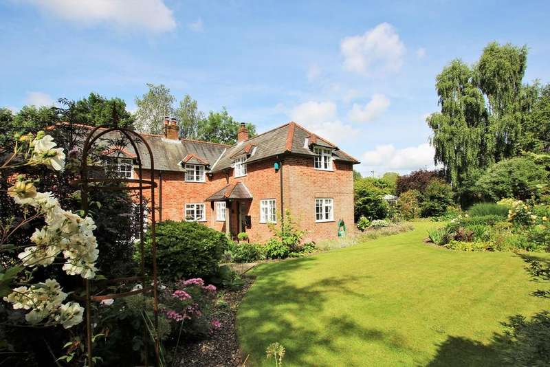 4 Bedrooms Detached House for sale in West Park Lane, Damerham, Fordingbridge, SP6