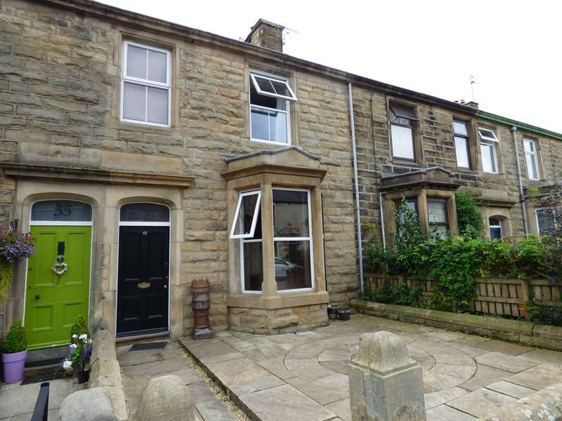 4 Bedrooms Terraced House for sale in West View, Clitheroe, Lancashire, BB7