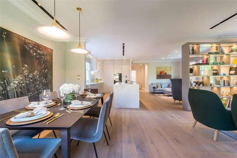 3 Bedrooms Flat for sale in Essendine Mansions, Essendine Road, London