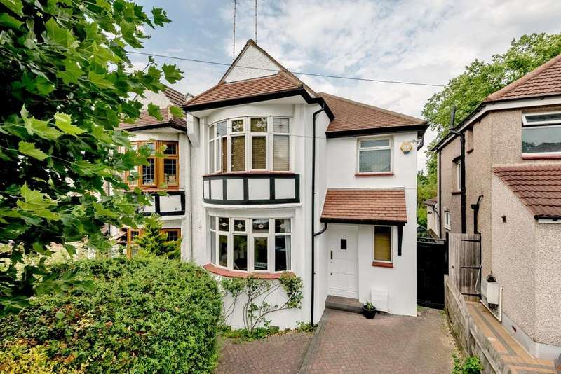 3 Bedrooms Semi Detached House for sale in Crescent Road, Friern Barnet