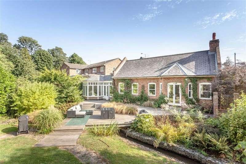 4 Bedrooms Detached House for sale in Pig Lane, Bishop's Stortford, Hertfordshire