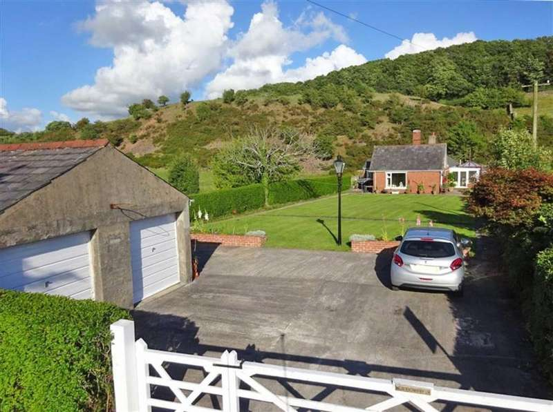 4 Bedrooms Semi Detached Bungalow for sale in Foxfield