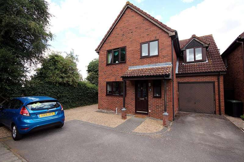 4 Bedrooms Detached House for sale in Applecroft, Lower Stondon, Henlow, SG16