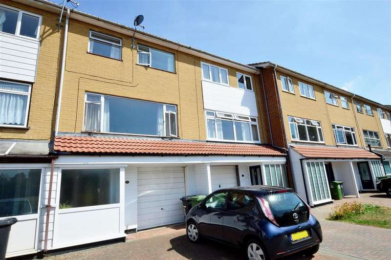 4 Bedrooms Town House for sale in Angus Court, Peterborough