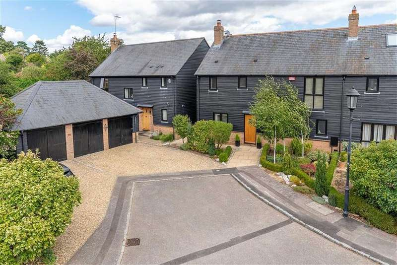 3 Bedrooms Barn Conversion Character Property for sale in Manor Farm Close, Soulbury