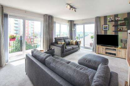 2 Bedrooms Flat for sale in Woden Street, Salford, Manchester, Greater Manchester