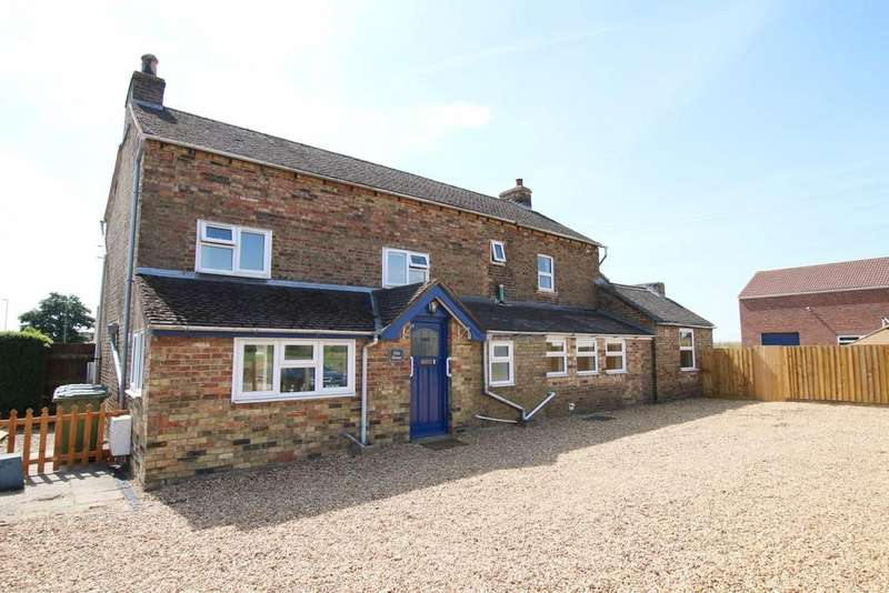 4 Bedrooms Detached House for sale in Elm Road, March