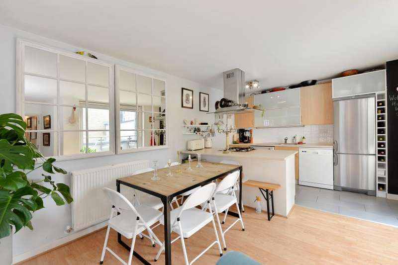 2 Bedrooms Apartment Flat for sale in Tequila Wharf Commercial Road