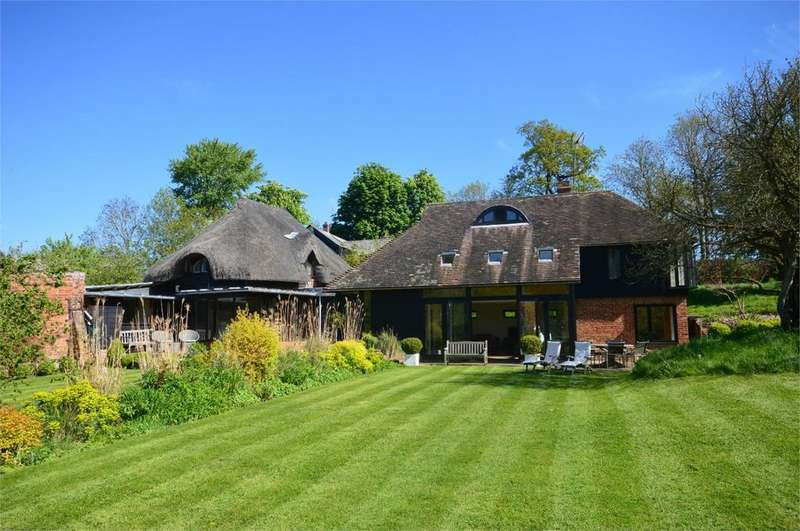 4 Bedrooms Detached House for sale in Much Hadham, Hertfordshire, SG10