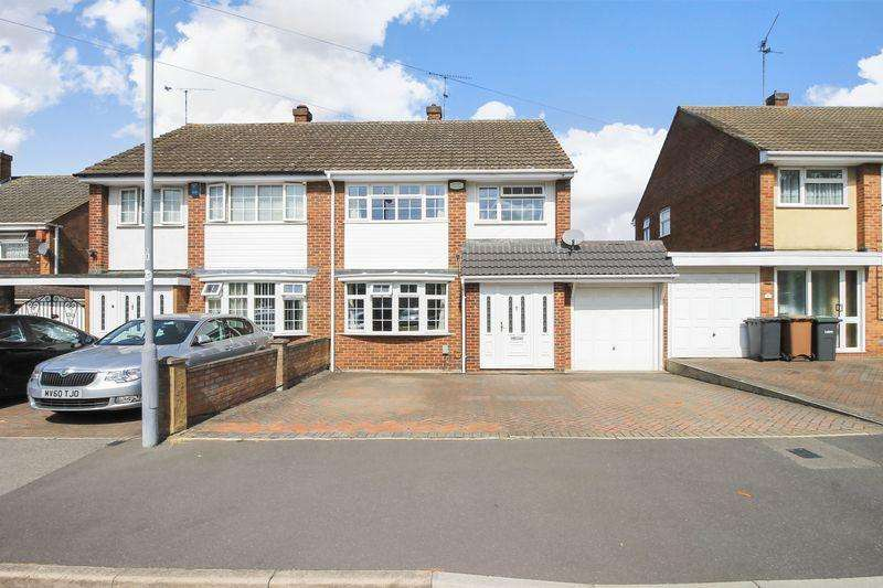 3 Bedrooms Semi Detached House for sale in Torquay Drive, Luton