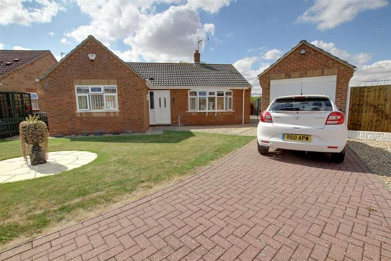 2 Bedrooms Detached Bungalow for sale in Aqua Drive, Mablethorpe