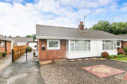 2 Bedrooms Bungalow for sale in Lon Y Cyll, Pensarn, Abergele, Conwy, LL22