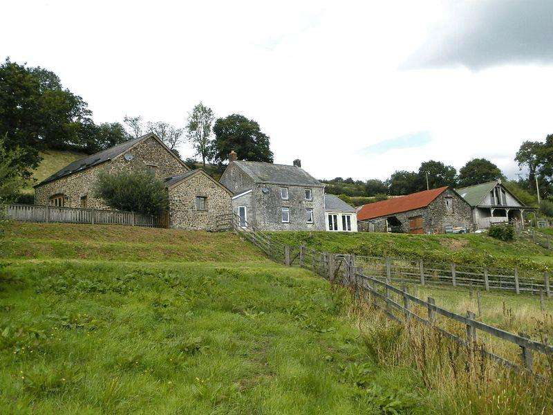 5 Bedrooms Detached House for sale in Talley, Llandeilo