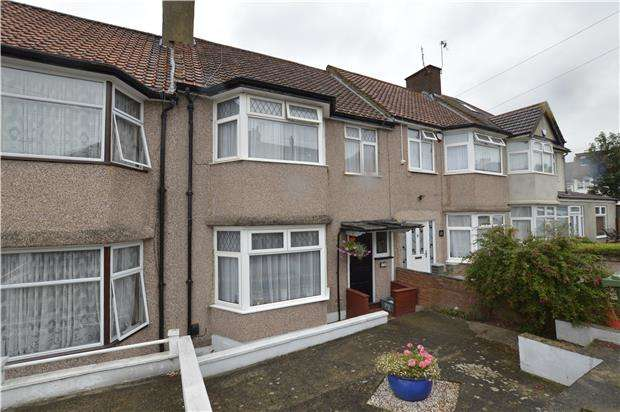 3 Bedrooms Terraced House for sale in The Ridgeway, LONDON, NW9 0UB