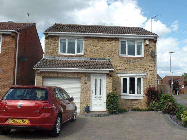 4 Bedrooms Detached House for sale in BERWICK CHASE, PETERLEE, OAKERSIDE, PETERLEE