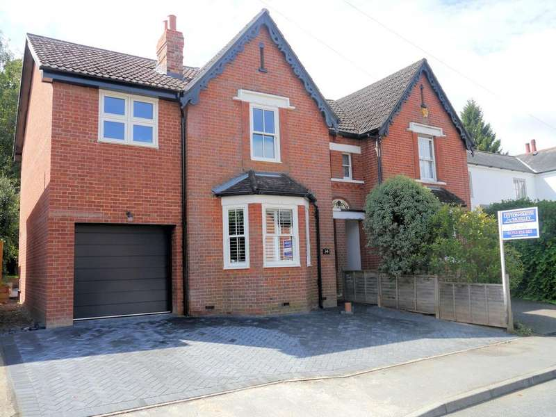 4 Bedrooms Semi Detached House for sale in 34 Church Road, Chavey Down SL5