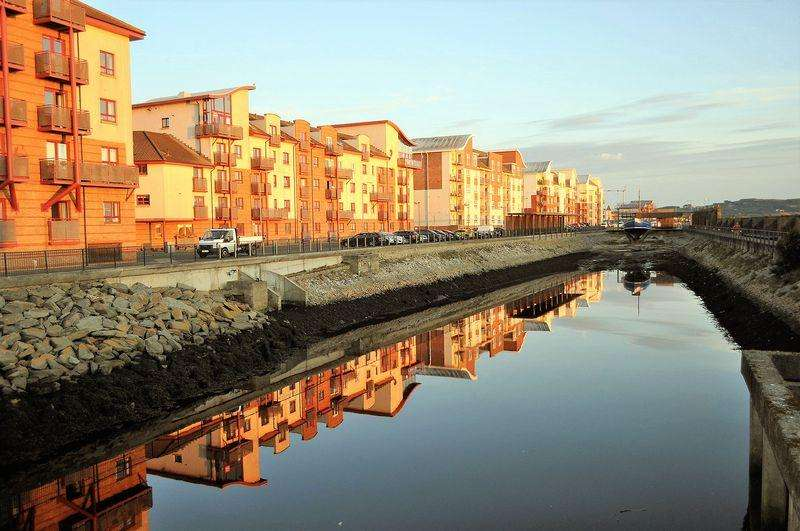 3 Bedrooms Flat for sale in 23 Donnini Court, Ayr, KA7 1JP