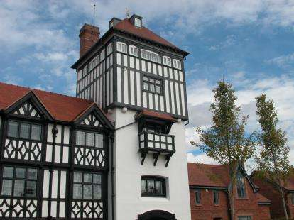 3 Bedrooms House for sale in Mostyn House, Grenfell Park, Parkgate, Neston, CH64