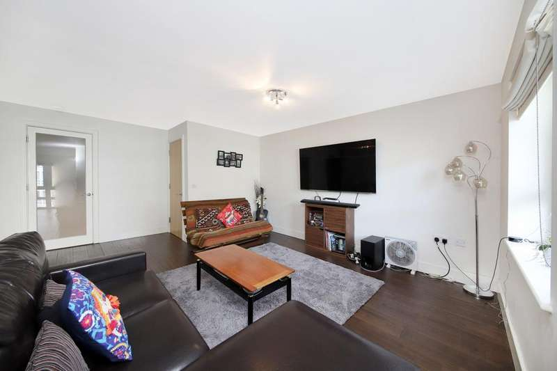2 Bedrooms Apartment Flat for sale in St Davids Square, London, E14