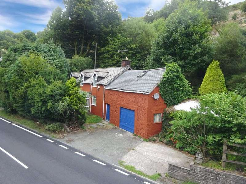 3 Bedrooms Detached House for sale in Pantmawr, Llanidloes, Powys