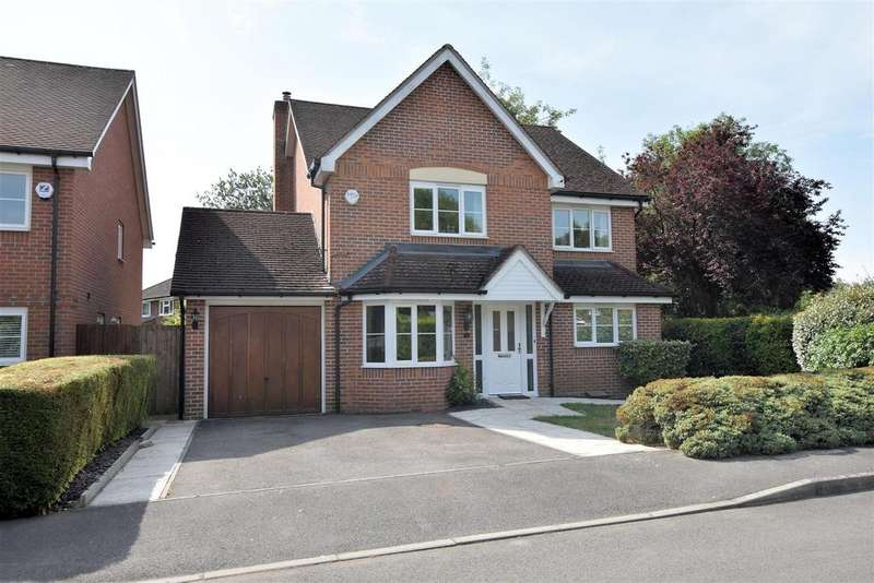 4 Bedrooms Detached House for sale in Maple Drive, Tilehurst, Reading