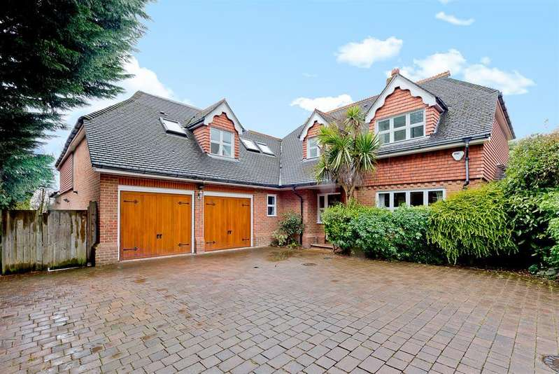 5 Bedrooms Detached House for sale in Spinney Close , KT4