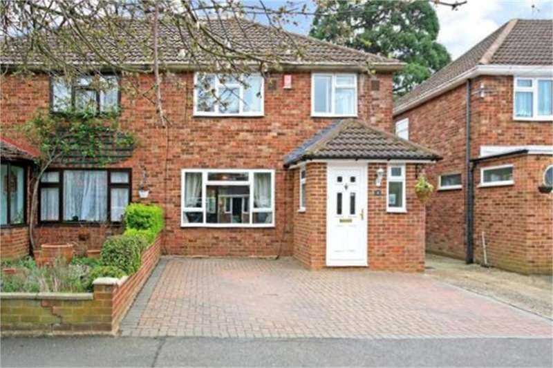 3 Bedrooms Semi Detached House for sale in Cell Farm Avenue, Old Windsor, Berkshire