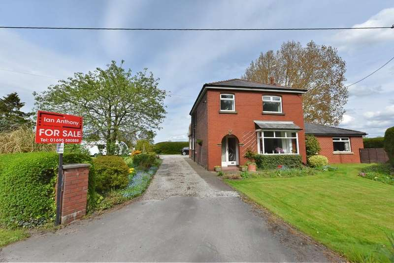 4 Bedrooms Detached House for sale in Briars Lane, Lathom