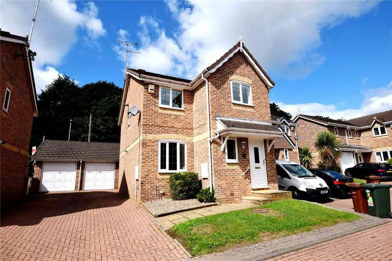 3 Bedrooms Detached House for sale in Maple Croft, New Farnley, Leeds, West Yorkshire