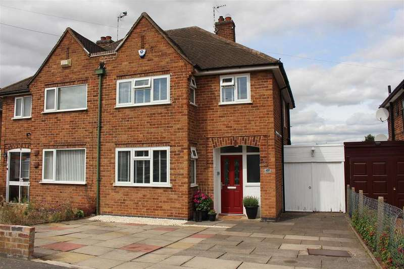 3 Bedrooms Semi Detached House for sale in Carlton Drive, Wigston