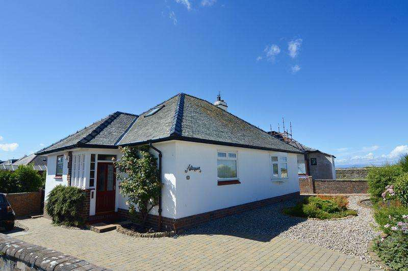 3 Bedrooms Detached Bungalow for sale in Carwinshoch View, Seafield, Ayr