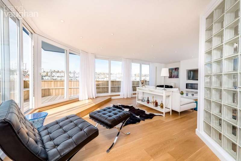 3 Bedrooms Penthouse Flat for sale in Queens Road, Brighton, BN1