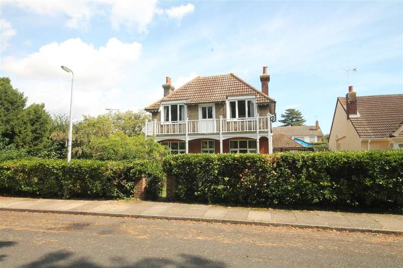 4 Bedrooms House for sale in Albany Gardens East, East Clacton