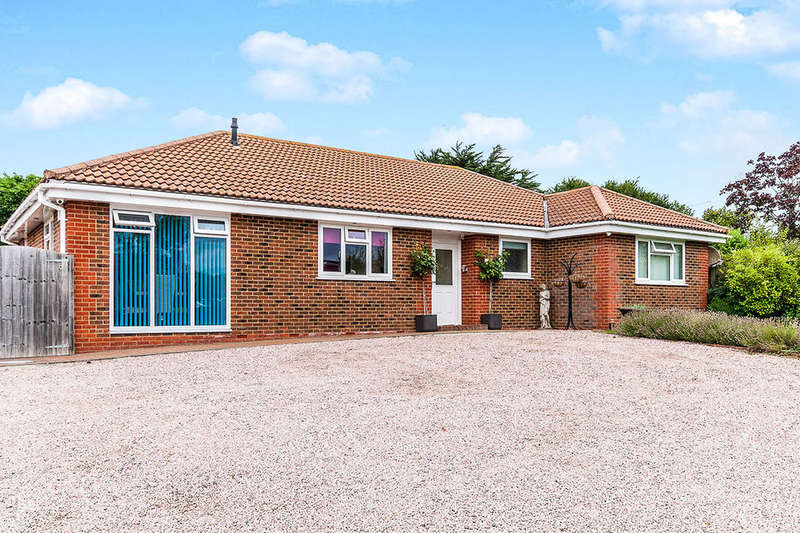 4 Bedrooms Detached Bungalow for sale in Broomfield Road, Herne Bay, CT6